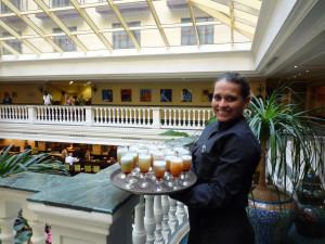 Serving drinks in Cuba - Cuba Cultural Trips