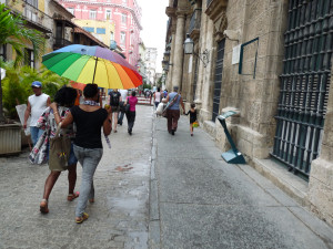 Walking the colonial streets of Cuba - Cuba Cultural Trips